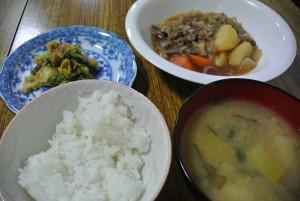 子ども食堂食事0205